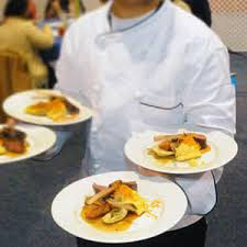 fine dining proper table service. types of table service. fine dining server proper service