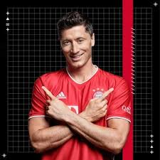 Lewandowski, 32, has a contract at bayern until 2023 and sources told espn that interested clubs would need to offer €60 million to start negotiations over a possible move. Robert Lewandowski On Twitter Never Stop Dreaming Never Give Up When You Fail Work Hard To Achieve Your Goal Fcbayern Miasanmia