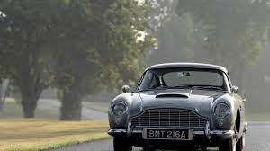 Man Lebt Nur Zweimal James Bonds Aston Martin Db5 Ist Wieder Da Augsburger Allgemeine
