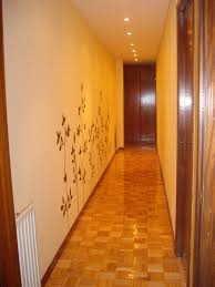 Cuadros Subida Escalera 5  Decorar Tu Casa Es FacilisimocomPasillos Pintados De Dos Colores