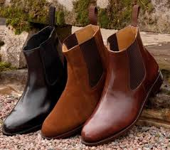 If you want shoes that play ball with most of your wardrobe, our edit of men's chelsea boots is up to the job. How To Wear Chelsea Boots With Style