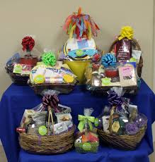i built these baskets for a fundraiser for temple emanuel they brought me most all of the items thinking they would get 3 4 gift baskets