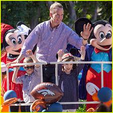 peyton manning kids. Peyton Manning \u0026 His Kids Ride Float At Disneyland Super Bowl 2016 Celebration Parade! R