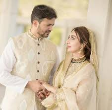 ayesha khan wedding pictures on a democracy