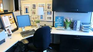 office desk decoration themes. Desk Decorations Office Fantastic Decor Ideas Great On Pinterest Decoration Themes N