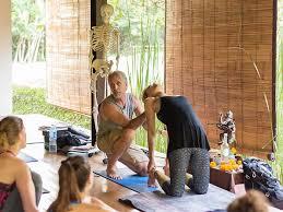 200 hr yoga abroad