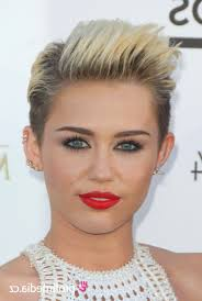 Top Kurzhaarfrisuren Miley Cyrus Frisuren Frauen 2018