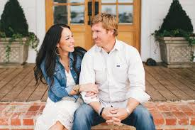 the stars of fixer upper realized it was time to leave the  the stars of fixer upper realized it was time to leave the reality tv juggernaut after a single tweet from a customer san antonio express news