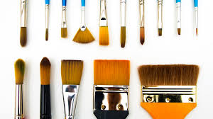 Types And Shapes Of Art Paintbrushes