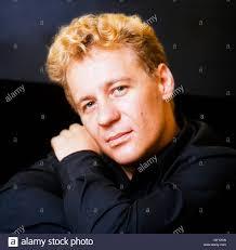 Peter Elliott, actor, animal movement director, primate mimic. He Stock  Photo - Alamy
