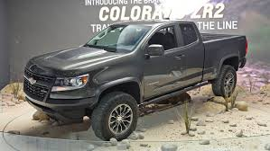 2018 gmc zr2.  gmc the 2018 chevrolet colorado zr2 have a unique exterior styling treatments  as well an offroad oriented suspension mirrors are heated and  on gmc zr2 l
