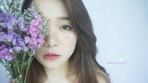 here goes my inspiration for this faux flower freckles makeup inspired by taeyeon making used of the dried flowers given by braun buffel lol