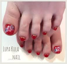 赤のフットネイル ネイルサロン Lupa Kulaのネイルカタログ