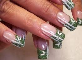 Gelové Nehty Růžovo Zelené Nehty S Bílými čárami