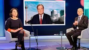 Annalena charlotte alma baerbock is a german politician. Ansehen Von Annalena Baerbock Sinkt Zustimmung Zu Corona Massnahmen Steigt Wieder Politik Nordbayern