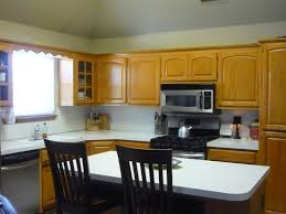 Oak Kitchen Cabinets And Wall Color Ask Maria How To Coordinate Finishes With Oak Cabinets Maria