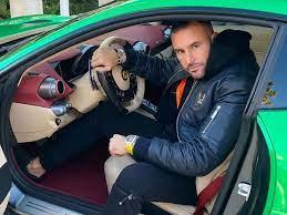 Designer Philipp Plein Soll Ferrari 300 000 Euro Zahlen Wegen Geschmackloser Fotos Stars