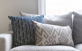 choose throw pillows for a gray couch