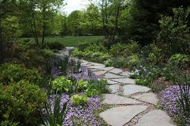Garden Stone Pathway Ideas-02-1 Kindesign