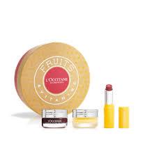 giftset includes a softening lip scrub