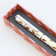 gold hearts boxed pen