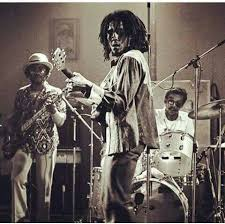 Bob Marley with Aston and Carlton Barrett live in 1975 | Bob marley legend,  Bob marley, Reggae bob marley