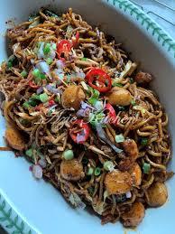 Resepi mee goreng basah sangat mudah disediakan dan enak dimakan untuk makan petang dan makan malam. Mee Goreng Basah Azie Kitchen Yang Sangat Sedap Azie Kitchen
