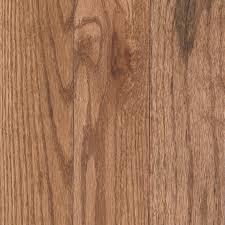 mohawk 3 25 in westchester oak solid hardwood flooring 17 6 sq ft