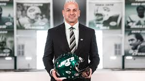 The agreement became official tuesday when saleh, who became the jets' 20th head coach in franchise history, signed his contract. Robert Saleh Says As Jets Hc I M Back Home I M Supposed To Be Here