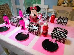 diy minnie mouse decoration ideas easy balloon centerpiece column for birthday rhyoucom a party mice and glovesrhcom