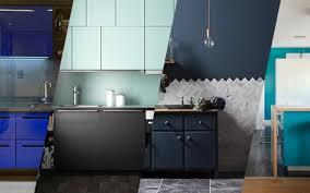 Plantas levam um outro visual para a cozinha. Cozinha Azul 13 Ideias Para Usar A Cor Casa Vogue Ambientes