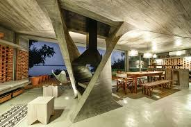Sculptural Twisted Concrete Columns Shaping a Modern Residence in Rio Negro  (6)
