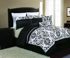 8 sheets black white damask comforter on and