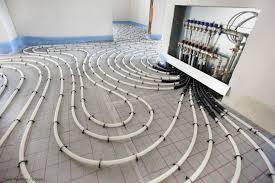Bei einer fußbodenheizung handelt es sich um heizleitungen, die auf entsprechendem bodengrund verarbeitet und aufgelegt werden. Kompletter Fussboden In Eigenleistung Fussbodenheizung Und Bodenbelage Richtig Kombinieren Fussbodenheizung Fussboden Fussbodenbelag