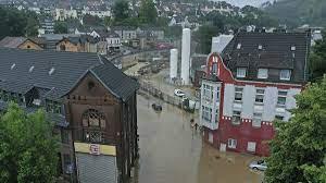 مقتل 4 أشخاص وفقد أكثر من 30 بسبب الفيضانات في ألمانيا - Sputnik Arabic
