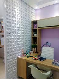 A distribuição espacial é o mais importante na decoração, não deixe os ambientes da sua clínica muito cheios nem muito vazios. Clinica De Estetica Decorada Com Cobogos Arquiteta Priscila Santos Burguina Cobogo