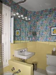 great vintage yellow tile bathroom idea