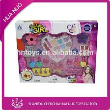 makeup kits for kids. kids make-up lip gloss, nail art kit, polish making kits makeup for