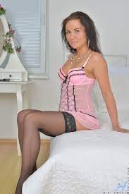 Hot Brunette Chick Solo Posing In Sexy Lingerie And Stockings Sex Oasis