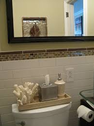 Inexpensive Bathroom Decor How To Decorate A Small Bathroom On A Budget