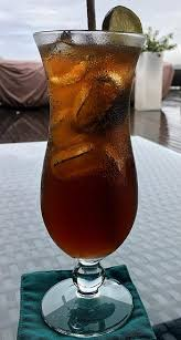 a long island iced tea comes with 285 calories per serve