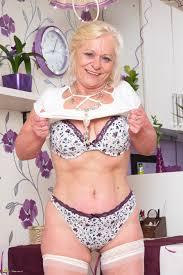 Hottest MILFs Mature Women Page 634