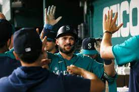 Mariners look at one-run game skid ...