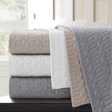 Stay warm and cozy with this Echelon Home Laguna quilted cotton ... & Stay warm and cozy with this Echelon Home Laguna quilted cotton coverlet.  The geometric quilted Adamdwight.com