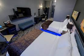 queen bed side view. Applause Hotel By CLIQUE: Room With Two Queen Beds Side View Bed S