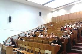 Белорусский государственный медицинский университет 01 06 2017 на факультете был дан старт Государственным экзаменам В этот день прошла защита дипломных работ выпускников фармацевтического факультета 2017