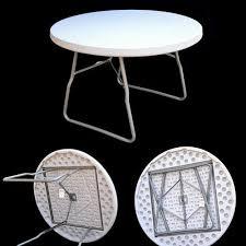 white round folding table 3 feet dia size 118 x 75 cm