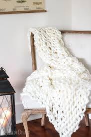 chunky blanket diy by sheholdsdearly com