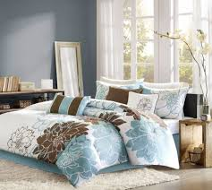 Wonderful Teen Girls Bedding Idea With The Latest Trend: Brown And Blue Set  Against A. «