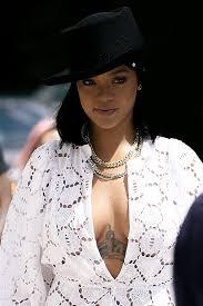 ゚pinterest At Wnterflwer Rihanna In 2019 Rihanna Rihanna